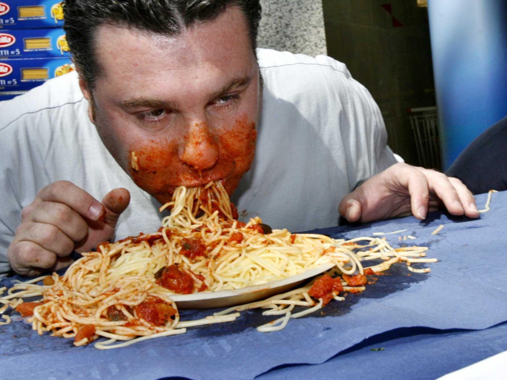 Смешные картинки много ест