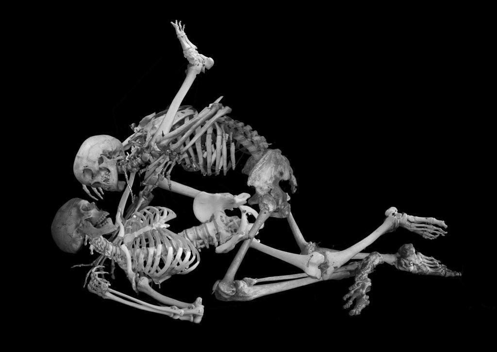 поза порно фотки скелет китайских