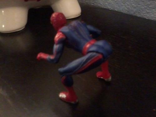 Гифка где человек паук шлепает